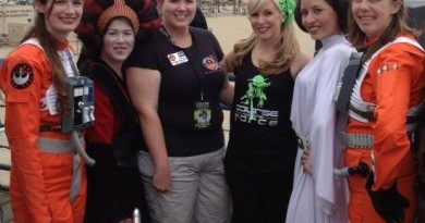 Ashley Eckstein, Padmé, Leia (Victoria Schmidt), and a possible Jaina or two at the Course of the Force.