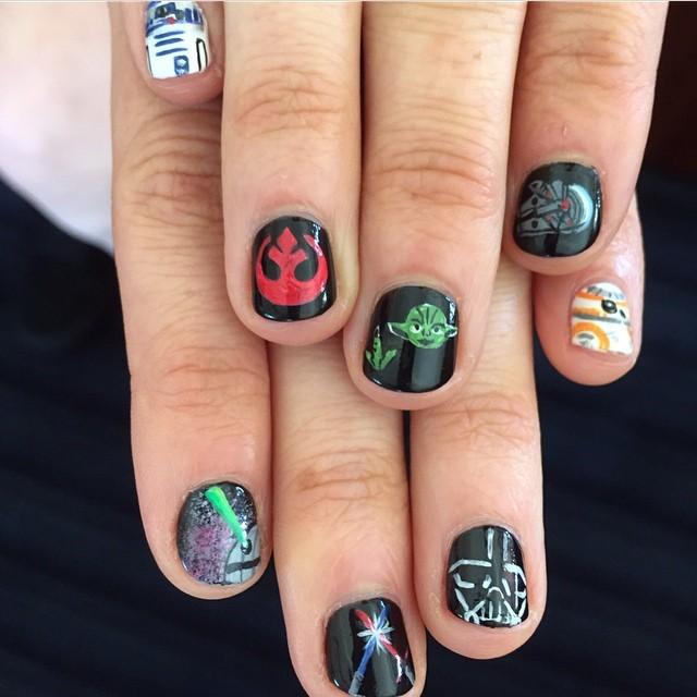 SDCC 2015 Daisy SW manicure
