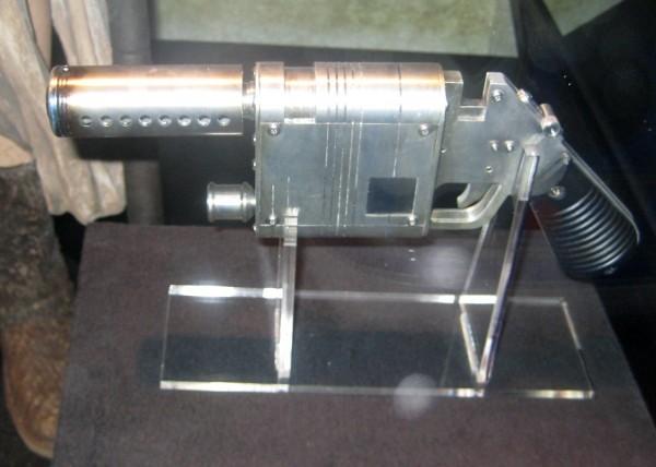 Rey TFA blaster