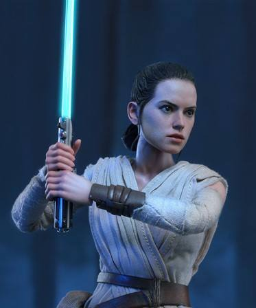 Rey Hot Toys lightsaber