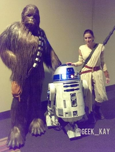 Kay Rey TFA premiere Chewie Artoo