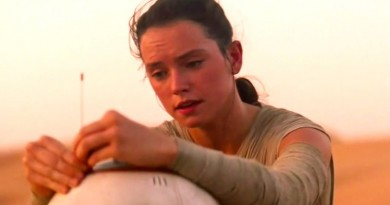 Rey fixes BB-8