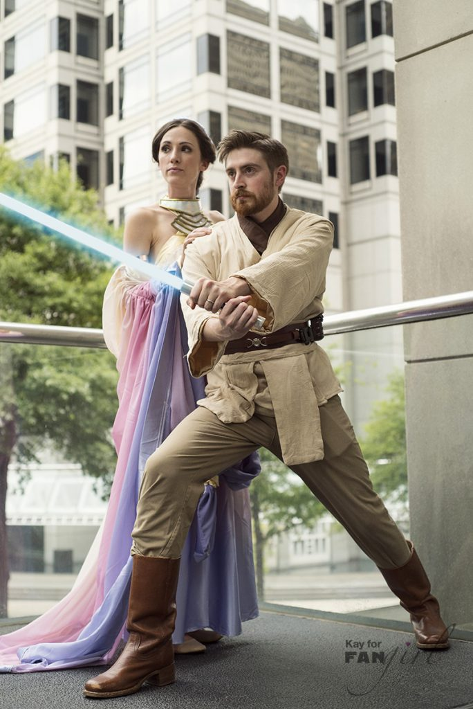Obi-Wan Kenobi and Padme at Dragon Con 2019. Photo by Kay